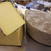 Single Gloucester Cheese (Martel), traditional raw milk cheese